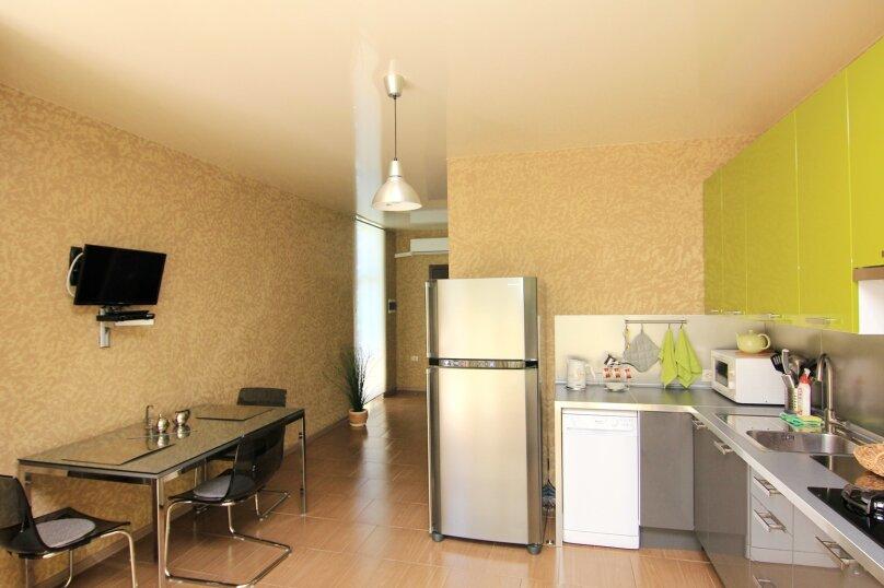 Двухместный номер с 1 кроватью и балконом (для 3 взрослых), Ульяновская улица, 41, Геленджик - Фотография 5