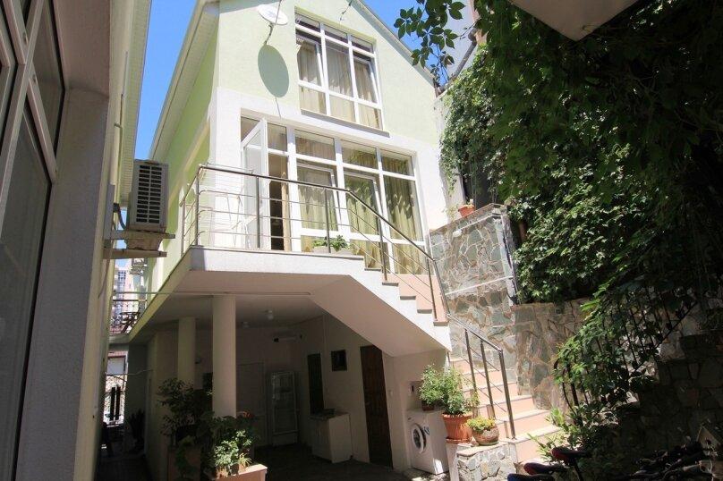 Двухместный номер с 1 кроватью и балконом (для 3 взрослых), Ульяновская улица, 41, Геленджик - Фотография 6
