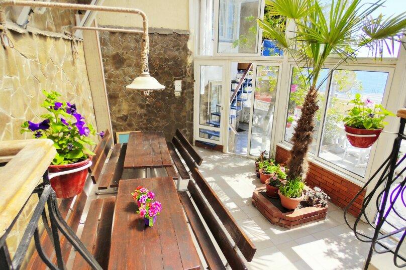 Трехместная студия с балконом, улица Дражинского, 7, Ялта - Фотография 11