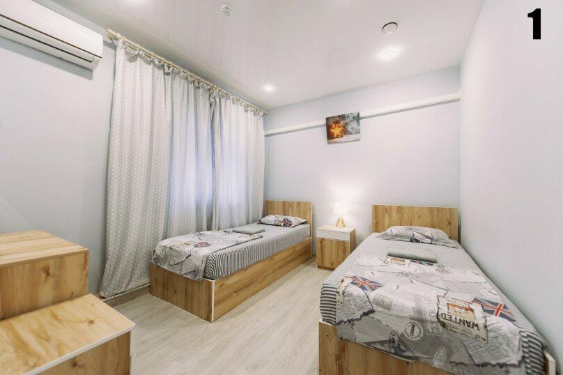 Двухместный номер с 2 отдельными кроватями и окном, Пограничная улица, 6А, Владивосток - Фотография 1