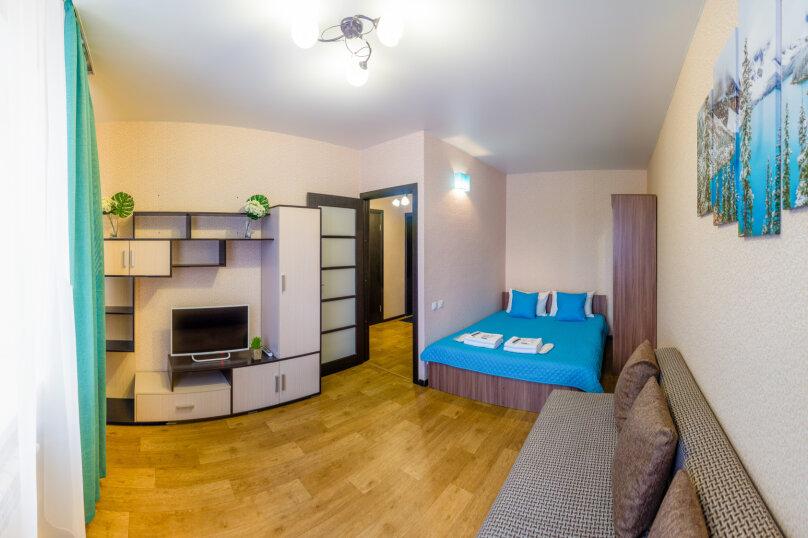 1-комн. квартира, 36 кв.м. на 4 человека, улица Николая Смирнова, 6, Чебоксары - Фотография 2