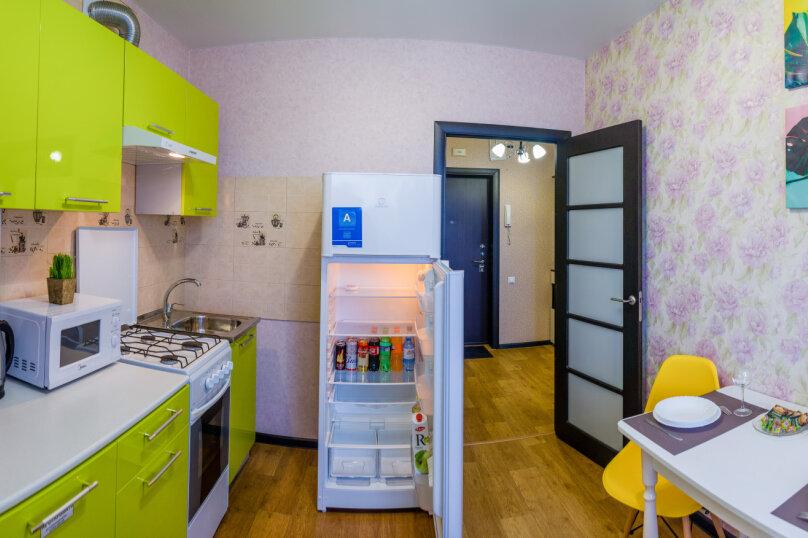 1-комн. квартира, 36 кв.м. на 4 человека, улица Николая Смирнова, 6, Чебоксары - Фотография 15