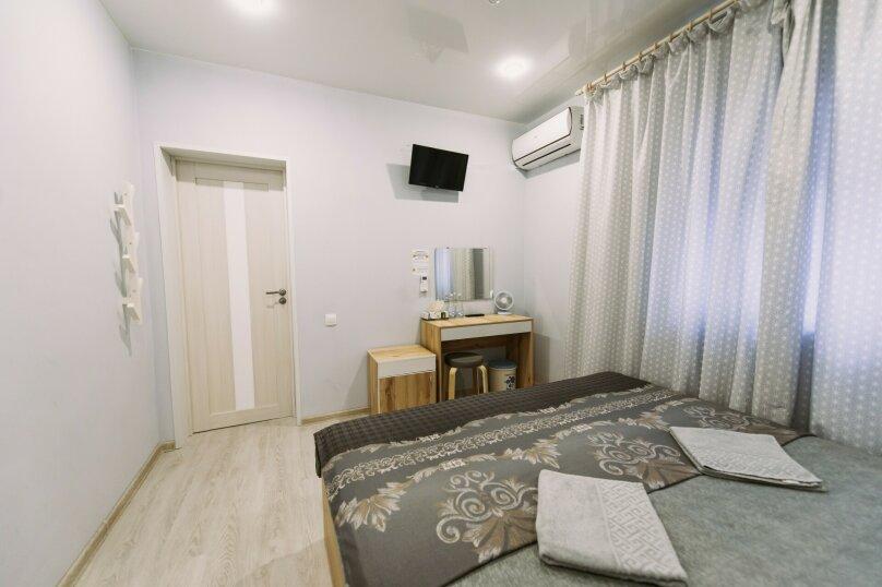 Двухместный номер с 2 отдельными кроватями и окном, Пограничная улица, 6А, Владивосток - Фотография 16