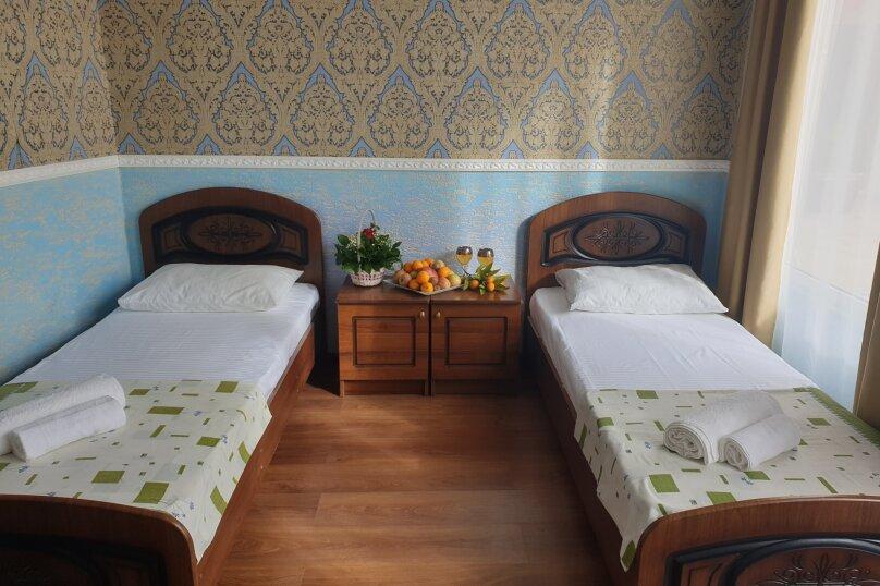 Стандарт 2 местный с двумя кроватями, 4-й переулок улицы Чанба, 4, Гагра - Фотография 1