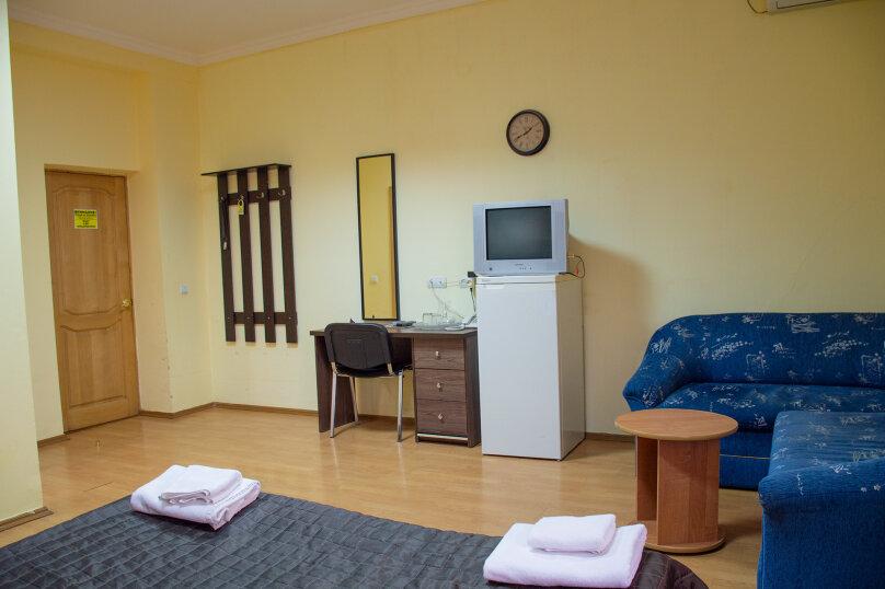 """Отель """"Центральный"""", улица Островского, 10 на 40 номеров - Фотография 39"""