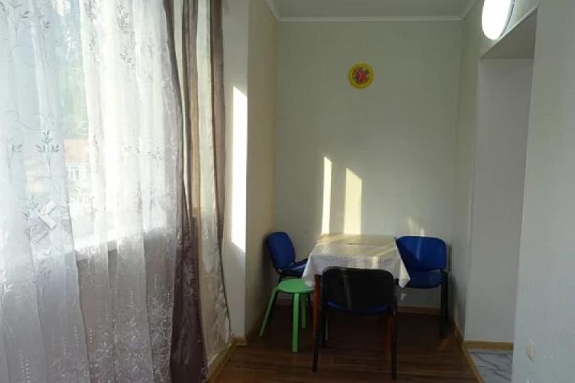 2-комн. квартира, 55 кв.м. на 6 человек, улица Абазгаа, 63/2, Гагра - Фотография 8