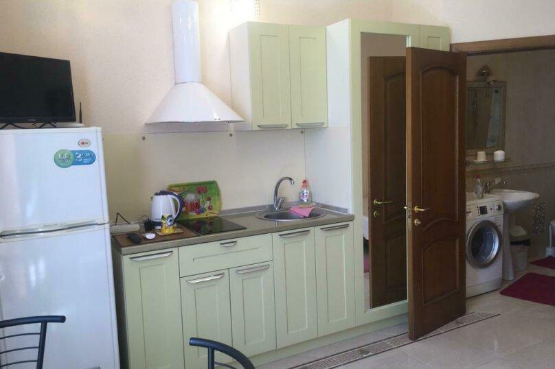 Гостевой дом с  двориком - студия № 1 , 22 кв.м. на 3 человека, 1 спальня, Поликуровская, 5, Ялта - Фотография 17