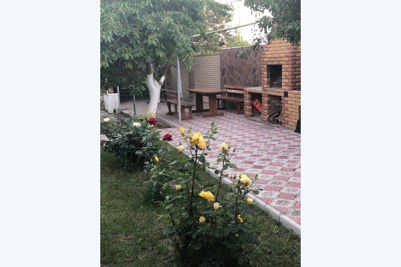 """Гостевой дом """"Уютный дворик"""", улица 70 лет Октября, 2 на 10 комнат - Фотография 22"""