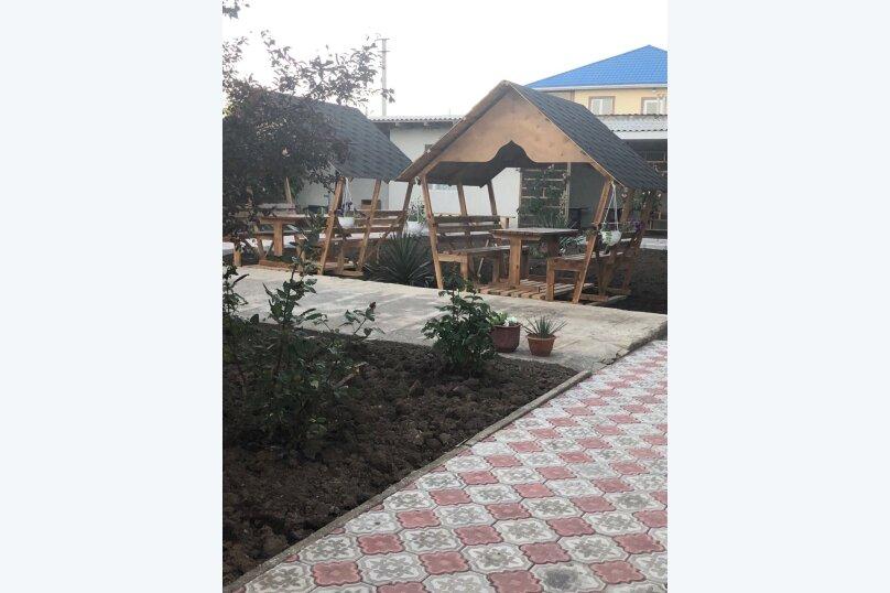 """Гостевой дом """"Уютный дворик"""", улица 70 лет Октября, 2 на 10 комнат - Фотография 24"""
