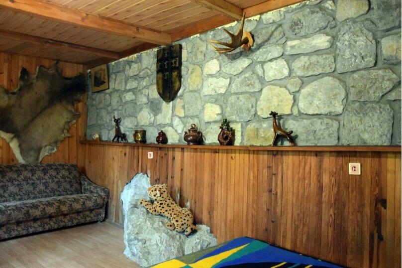 Домик Охотника, 45 кв.м. на 6 человек, 1 спальня, Ялтинская улица, 2, Алупка - Фотография 2