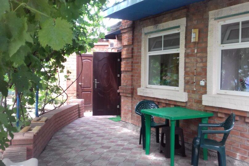 Гостевой домик, улица Победы, 207, Ейск - Фотография 1