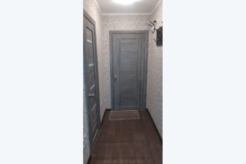 1-комн. квартира, 32 кв.м. на 4 человека, улица Анатолия Гладкова, 9, Красноярск - Фотография 5