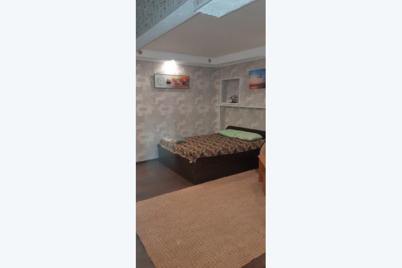 1-комн. квартира, 32 кв.м. на 4 человека, улица Анатолия Гладкова, 9, Красноярск - Фотография 6
