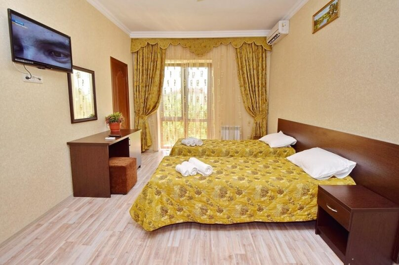 Стандарт 2х-местный с двумя раздельными кроватями, улица Луначарского, 266, Геленджик - Фотография 1