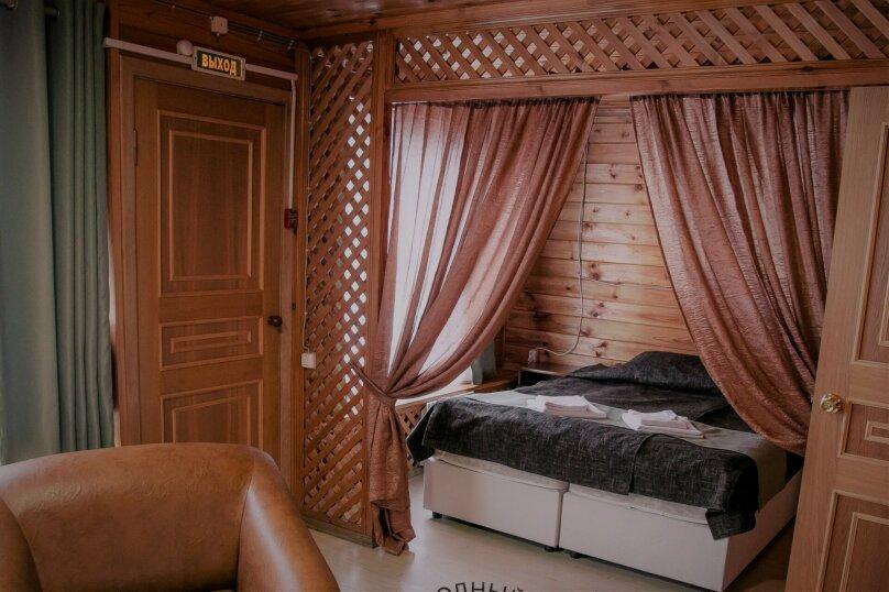 2-х комнатный номер с видом на озеро, ст. Шуйская улица, 1, Петрозаводск - Фотография 1