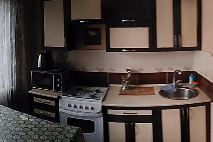 1-комн. квартира, 32 кв.м. на 4 человека, улица Александра Матросова, 6, Красноярск - Фотография 3