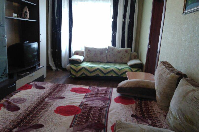 1-комн. квартира, 32 кв.м. на 4 человека, улица Александра Матросова, 6, Красноярск - Фотография 5