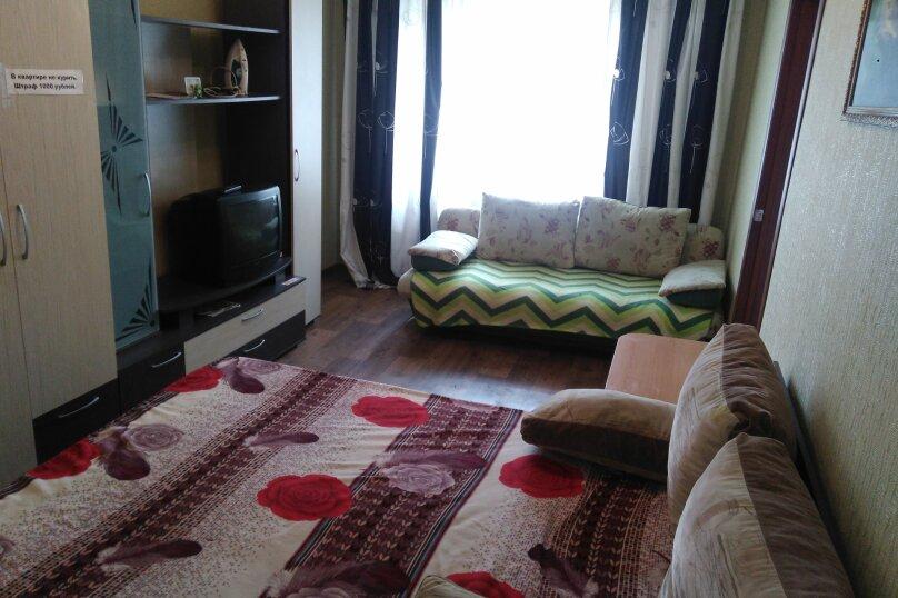 1-комн. квартира, 32 кв.м. на 4 человека, улица Александра Матросова, 6, Красноярск - Фотография 13