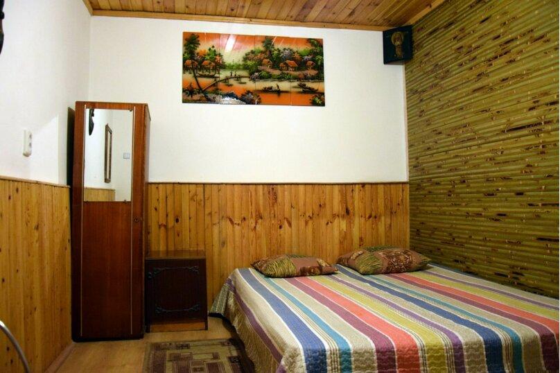 Дом Медный , 45 кв.м. на 6 человек, 2 спальни, Ялтинская улица, 2, Алупка - Фотография 1