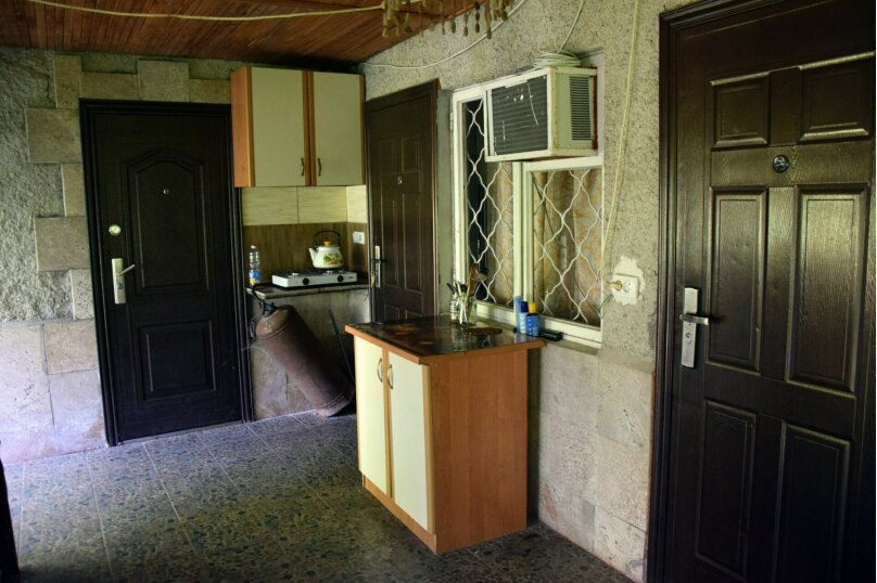 Дом Медный , 45 кв.м. на 6 человек, 2 спальни, Ялтинская улица, 2, Алупка - Фотография 3