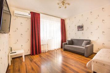 1-комн. квартира, 37 кв.м. на 4 человека, улица Маршала Жукова, 54, Тольятти - Фотография 1