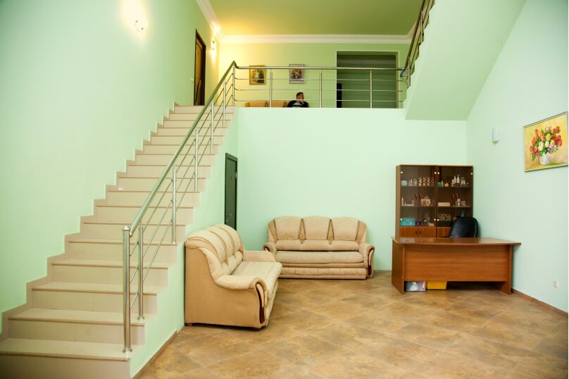 """Гостевой дом """"GREEN guest house"""", улица Тюльпанов, 4Г на 8 комнат - Фотография 3"""