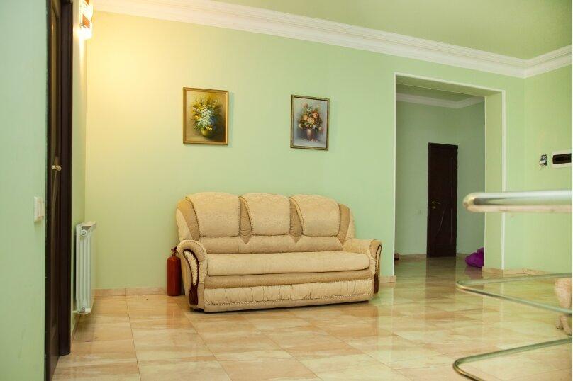 """Гостевой дом """"GREEN guest house"""", улица Тюльпанов, 4Г на 8 комнат - Фотография 5"""