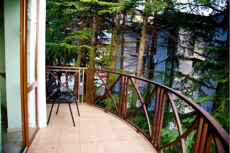 """Гостевой дом """"GREEN guest house"""", улица Тюльпанов, 4Г на 8 комнат - Фотография 9"""