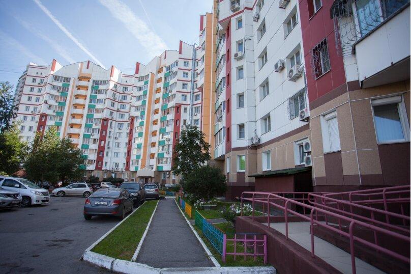 2-комн. квартира, 65 кв.м. на 5 человек, улица Шеронова, 10, Хабаровск - Фотография 9