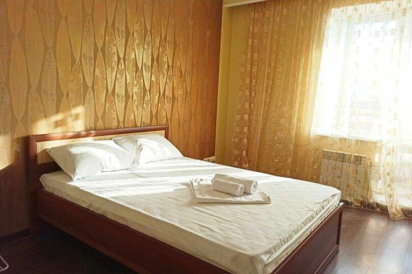 2-комн. квартира, 55 кв.м. на 4 человека, улица Гайдара, 13, Хабаровск - Фотография 3