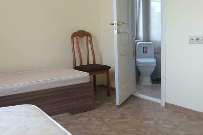 Двухместный номер с 2 отдельными кроватями и ванной комнатой      №3, Одесская, 25, Ейск - Фотография 3