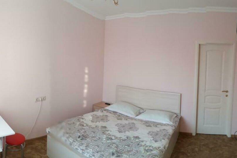 Двухместный номер Делюкс с 1 кроватью и ванной     №2, Одесская, 25, Ейск - Фотография 1