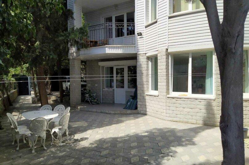 Дом на 12 человек, Набережная улица, 24А, Алушта - Фотография 1