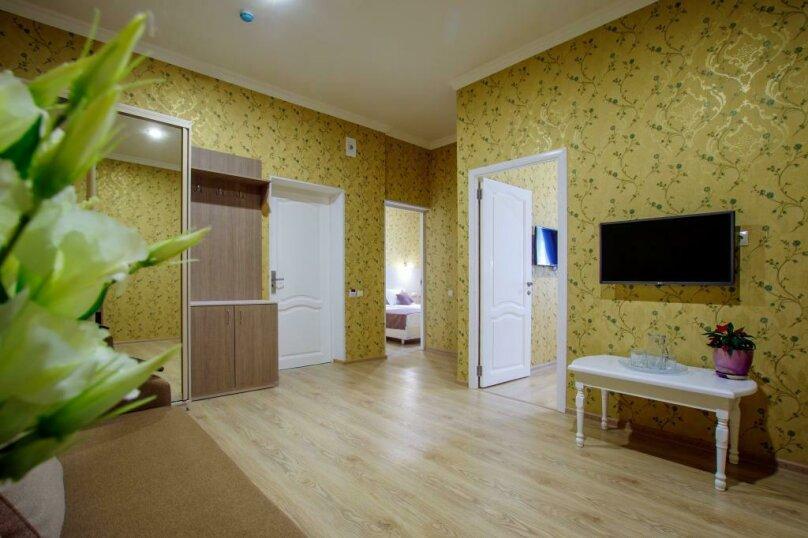 Люкс 2х- комнатный 4х-местный, улица Гоголя, 17, Геленджик - Фотография 1