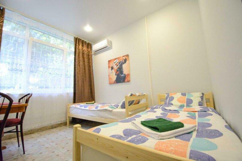 Двухместный номер с 2 отдельными кроватями и ванной комнатой, улица Островского, 47, Сочи - Фотография 4