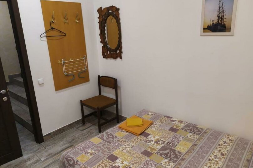 Бюджетный двухместный номер с 1 кроватью (без окна), улица Островского, 47, Сочи - Фотография 2