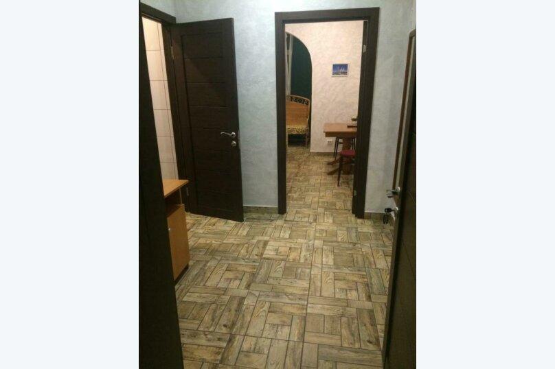 Cемейный номер с собственной ванной комнатой, улица Островского, 47, Сочи - Фотография 1