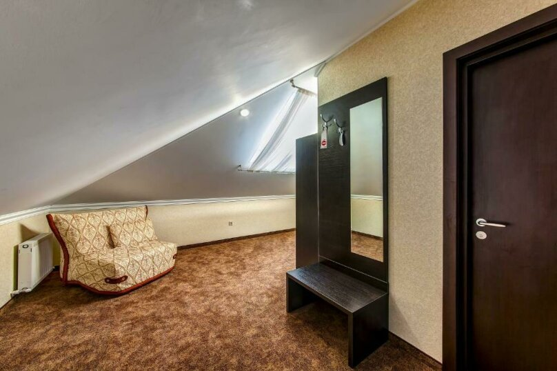 Комфорт 2х-комнатный (мансарда) 2х-местный, улица Островского, 35, Геленджик - Фотография 4