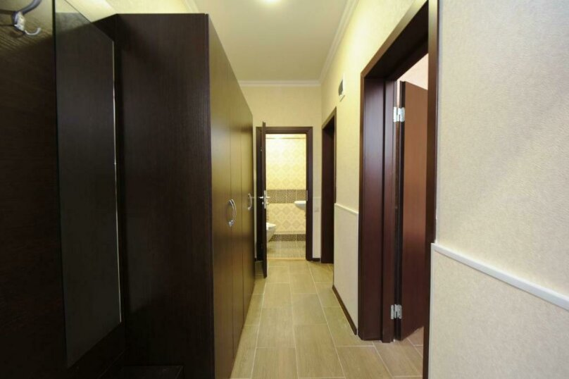 Семейный 2х-комнатный (цоколь) 4х-местный, улица Островского, 35, Геленджик - Фотография 3
