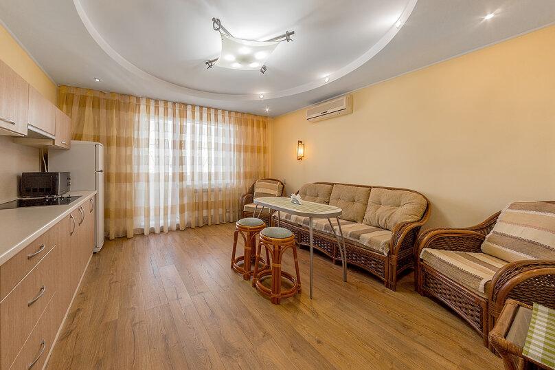 2-комн. квартира, 65 кв.м. на 5 человек, улица Воровского, 36Б, Челябинск - Фотография 7