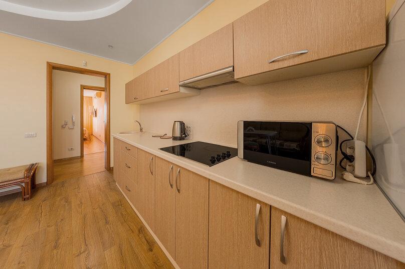 2-комн. квартира, 65 кв.м. на 5 человек, улица Воровского, 36Б, Челябинск - Фотография 9