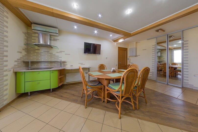 3-комн. квартира, 65 кв.м. на 5 человек, улица Воровского, 36Б, Челябинск - Фотография 1