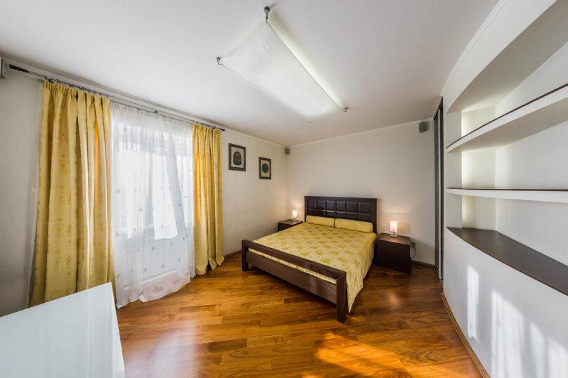 3-комн. квартира, 70 кв.м. на 6 человек, улица Братьев Кашириных, 34, Челябинск - Фотография 13