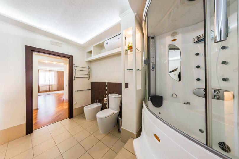 3-комн. квартира, 70 кв.м. на 6 человек, улица Братьев Кашириных, 34, Челябинск - Фотография 17