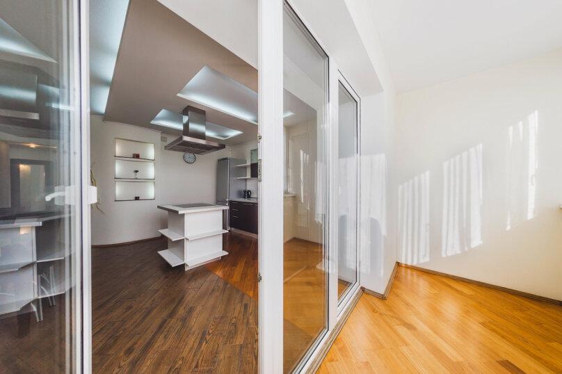 3-комн. квартира, 70 кв.м. на 6 человек, улица Братьев Кашириных, 34, Челябинск - Фотография 19