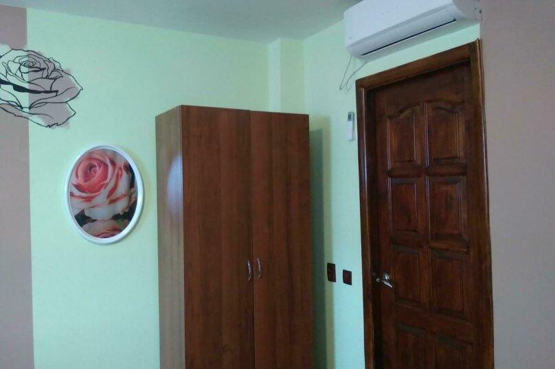 4-местный номер Эконом, 4-й Шоссейный проезд, 20, Сухум - Фотография 6