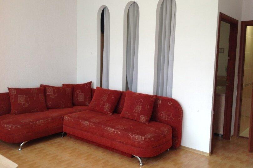 2-х комнатный, улица Ленина, 146, Коктебель - Фотография 3