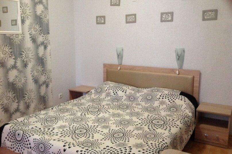 2-х комнатный, улица Ленина, 146, Коктебель - Фотография 1