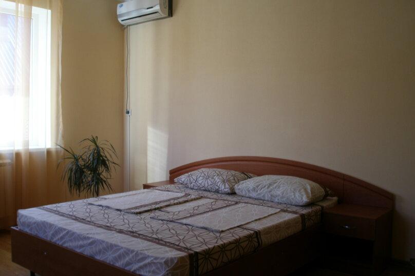 Трехместный номер, улица Тормахова, 19, Лазаревское - Фотография 1