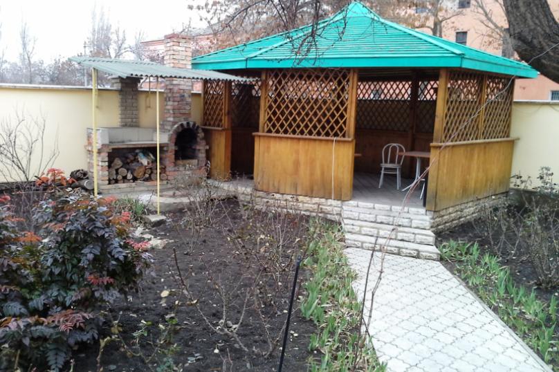 """Гостевой дом """"Подсолнухи"""", улица Федько, 59 на 13 комнат - Фотография 2"""